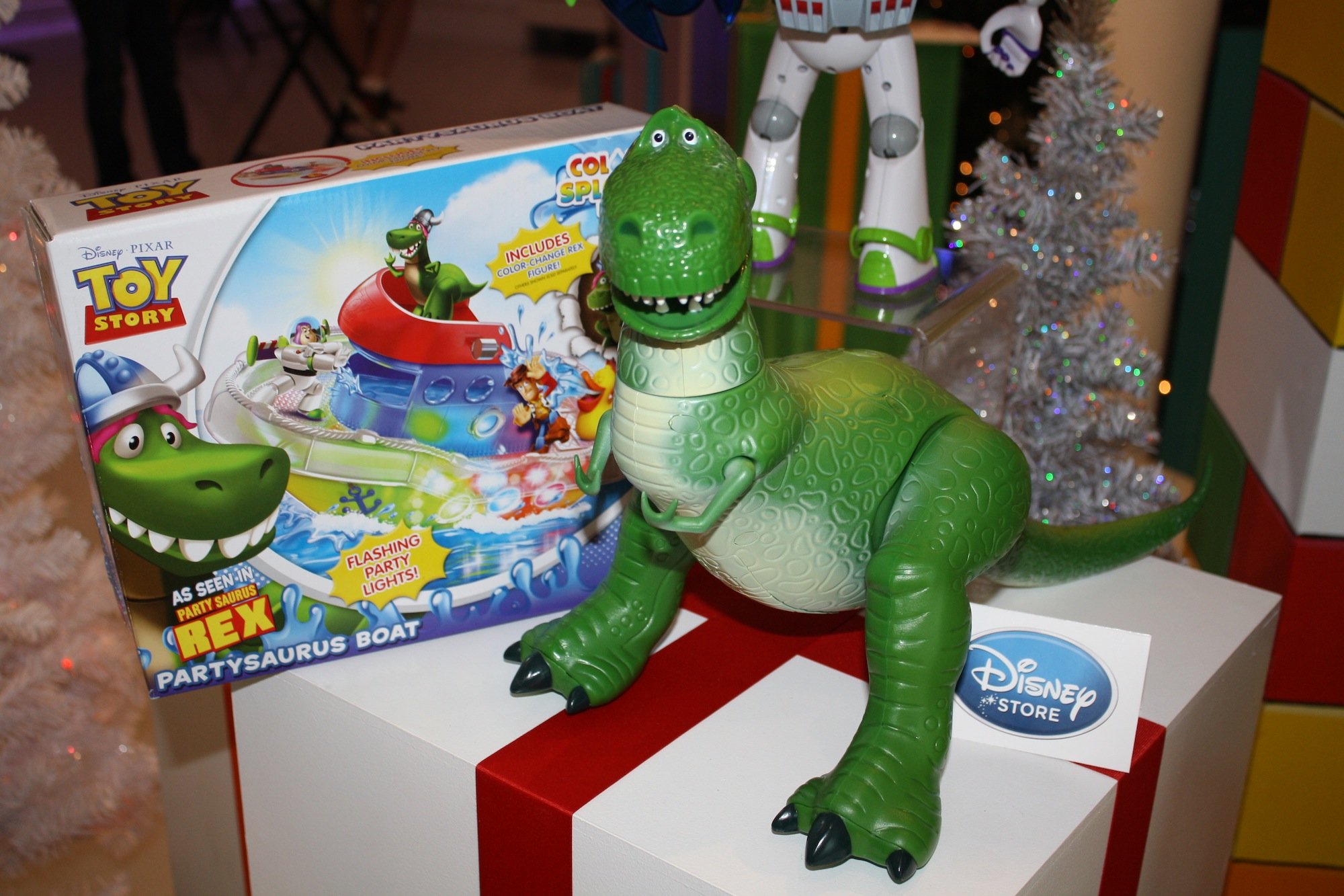 Toy Story Holidays : Disney holiday gift preview pixar merchandise
