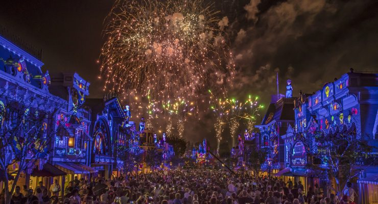 Pixar Fest's Fireworks Show Is A Serious Spectacle